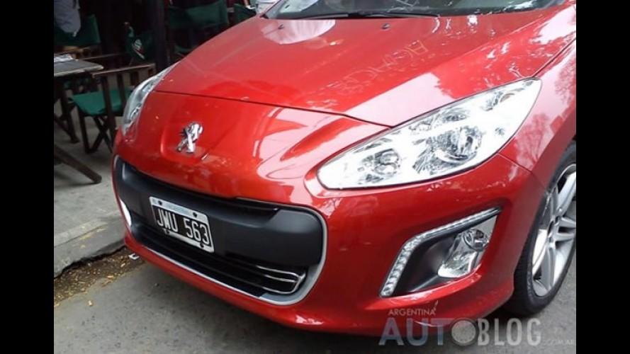 Flagras: Novo Peugeot 308 já roda sem disfarces na Argentina
