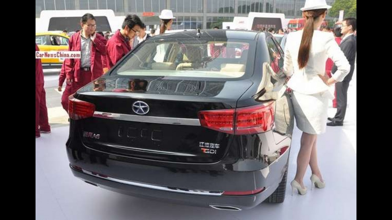 JAC Refine A6 é o chinês com inspiração alemã - até no nome