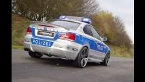 BMW 123d Coupé preparado vira viatura de Polícia na Alemanha - Veja fotos