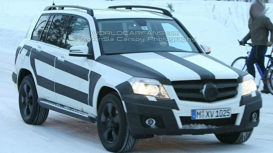 Mercedes GLK Production Version Spied On the Road