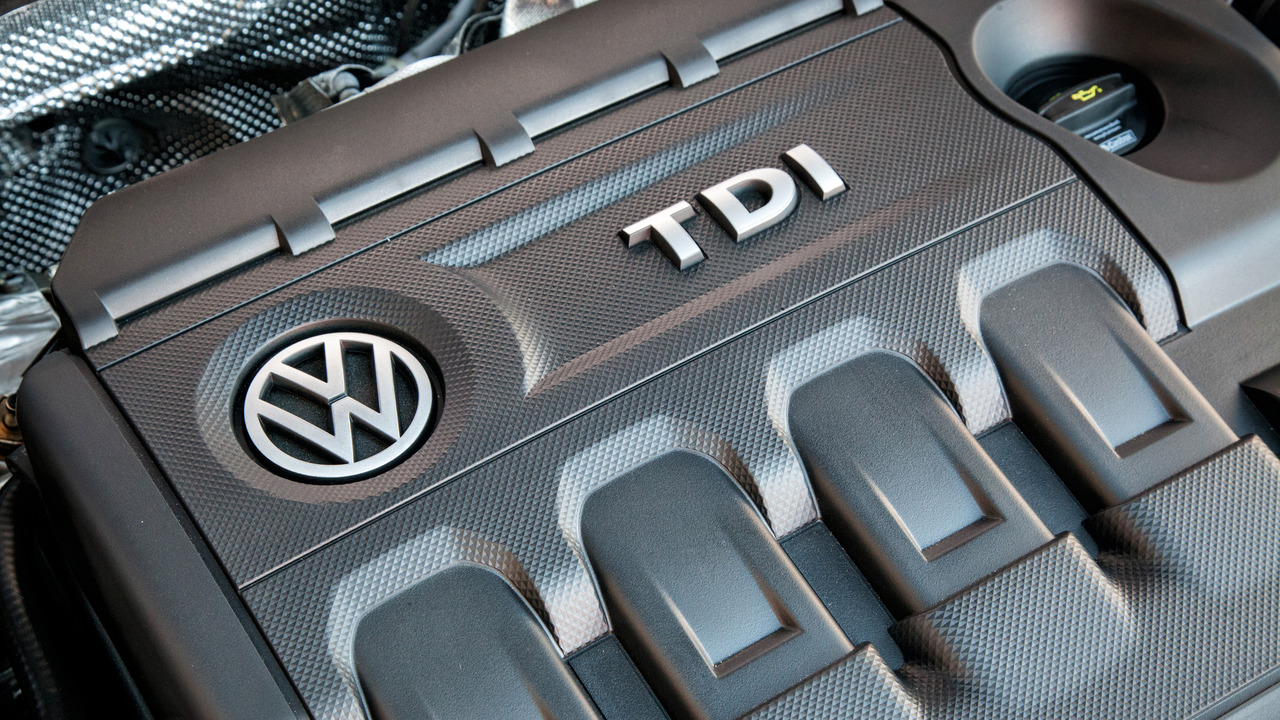 Volkswagen Golf TDI engine cover
