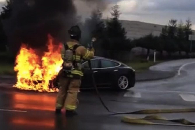 Tesla Model S Fire Causes $600 Million Drop in Company Value [w/video]