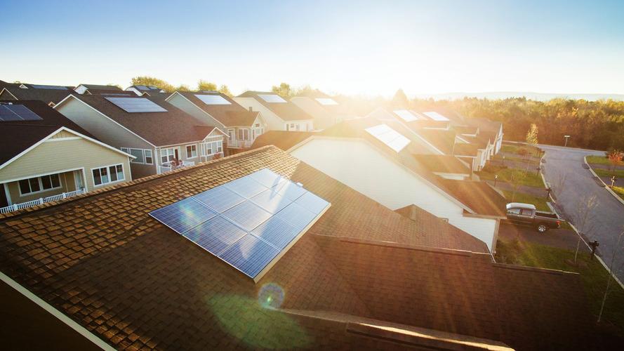 Tesla ve Panasonic, güneş paneli üzerinde işbirliğine gittiklerini duyurdu