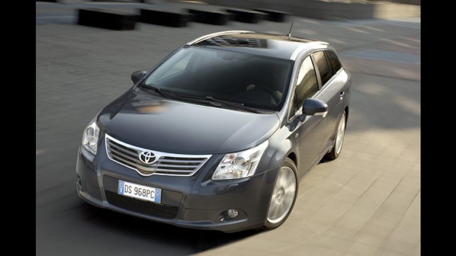Neue Angebote zur Einführung von Toyota Avensis und iQ