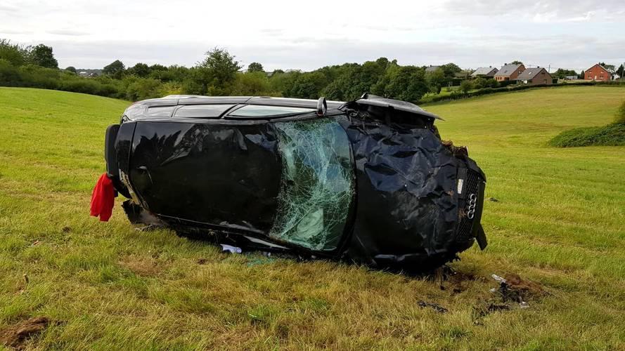 200 km/h-ás sebességgel bukott az Audi RS3-mal – túlélte az esetet