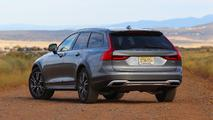 2017 Volvo V90 Cross Country: Review
