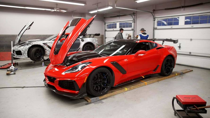Watch 2019 Corvette ZR1 unintentionally break VIR production auto lap record