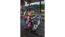 Nouveau record du monde de vitesse en monowheel
