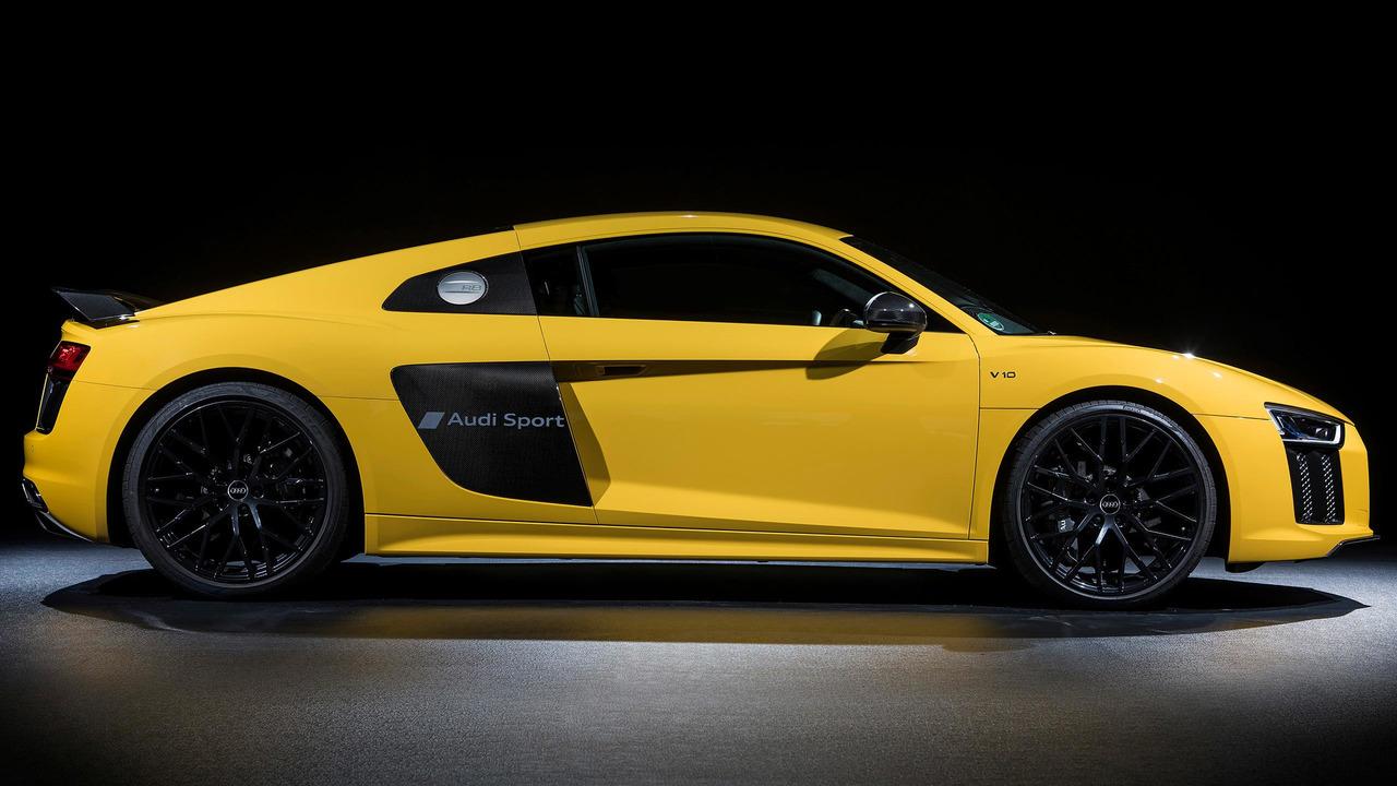 Audi R8 etched paint