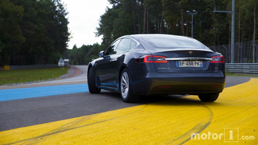 Essai Tesla Model S 90D - Addictive...