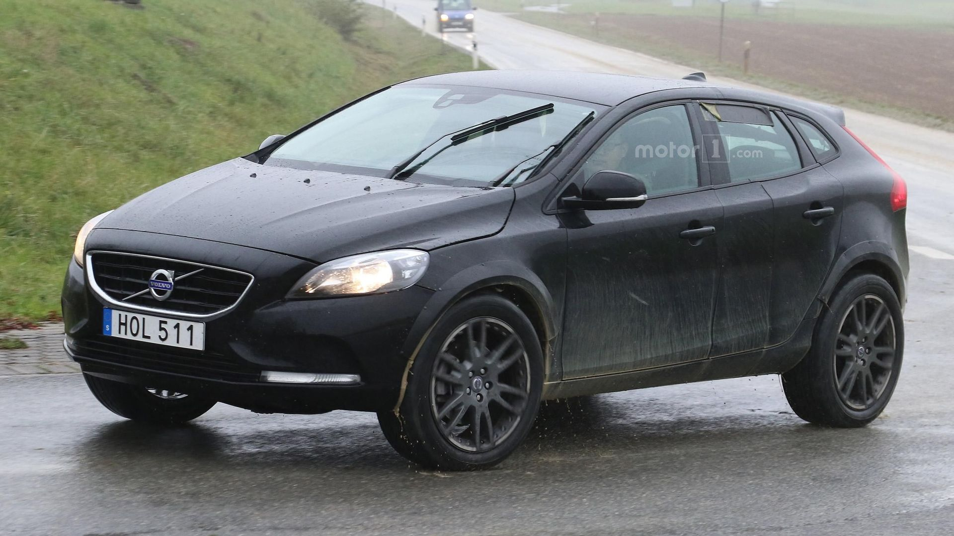 volvo xc40 spotted disguised as jacked up v40. Black Bedroom Furniture Sets. Home Design Ideas
