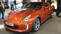 Nissan 370z shows its facelift in Paris