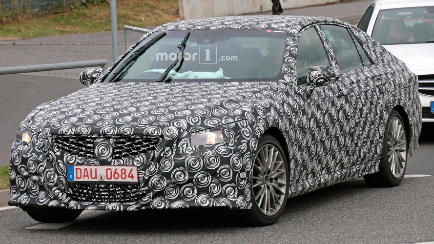 Nürburgring'deki bu Lexus yeni jenerasyon GS mi?