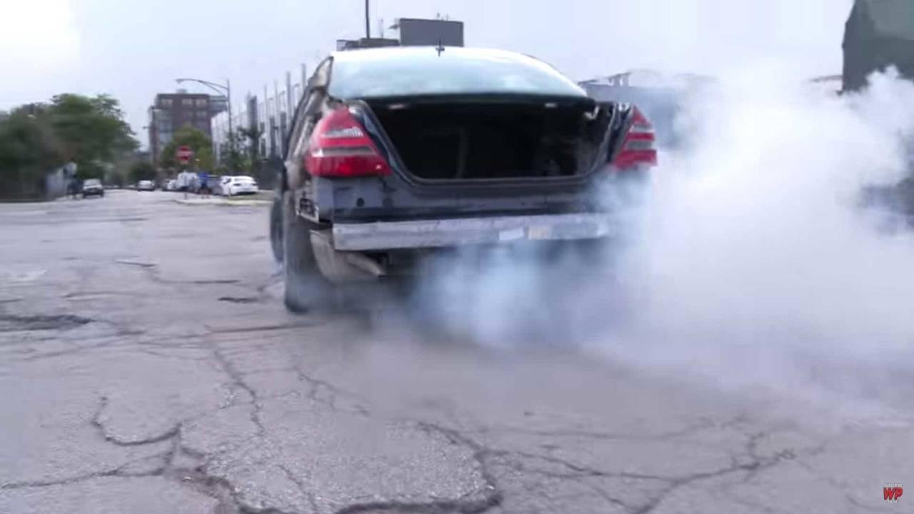 Mercedes-Benz Hitting Pothole