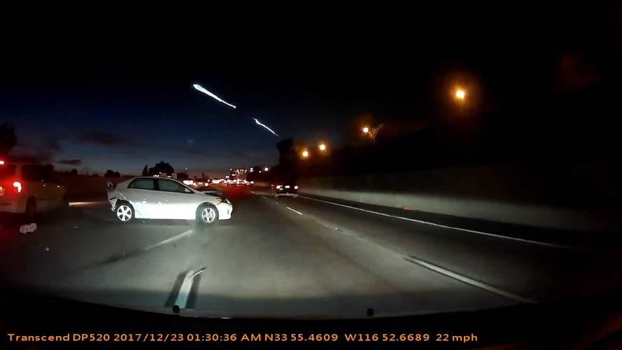 SpaceX roketini izleyen sürücü kazaya sebep oldu