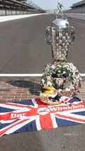 Winners photoshoot- tribute to Dan Wheldon