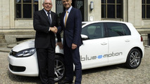 Volkswagen Golf blue-e-motion concept revealed