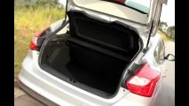 Garagem CARPLACE #5: Focus SE 2.0 encontra Golf 1.4 TSI e divide opiniões