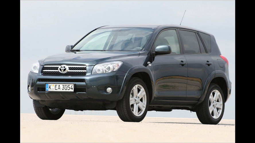 Hoher Hoppel: Toyota RAV4 2.2 D-CAT Executive unterwegs
