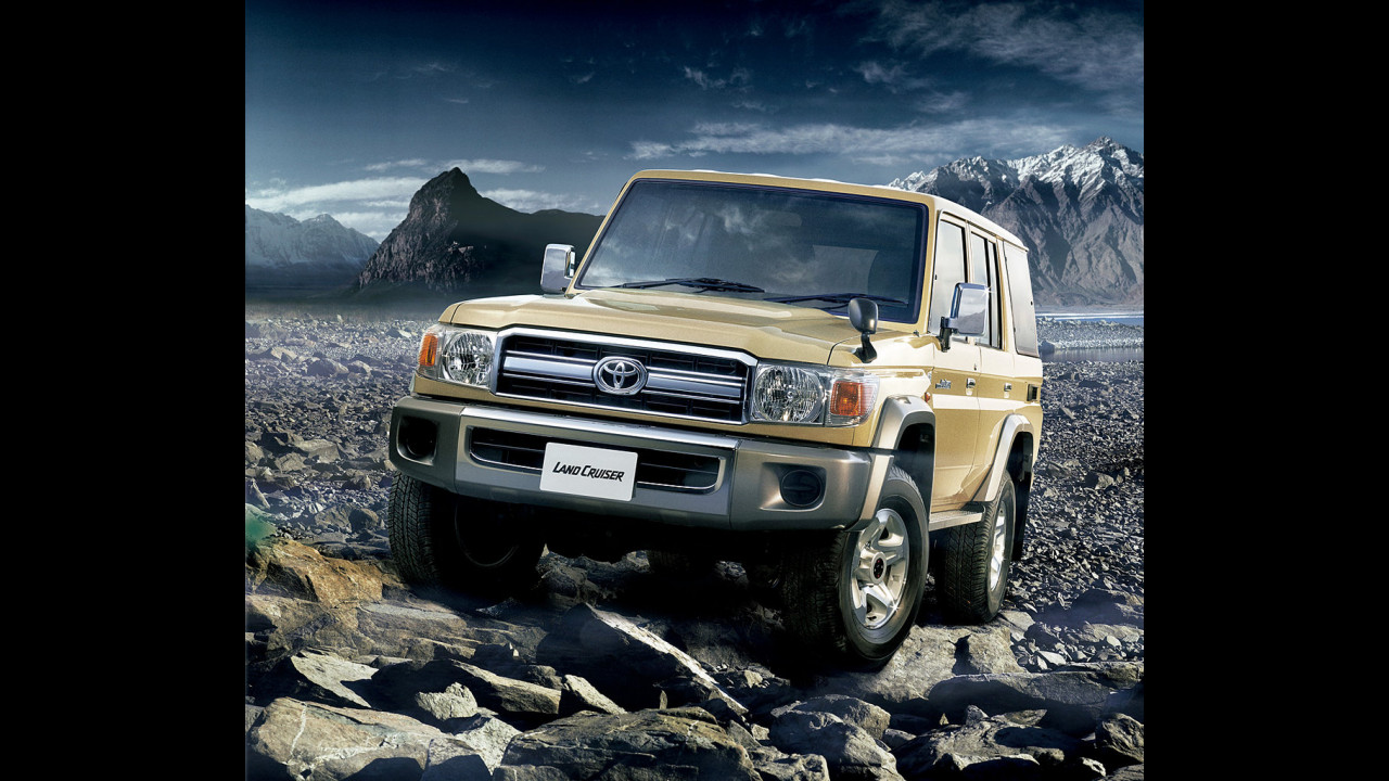 Toyota Land Cruiser 70 van 2014