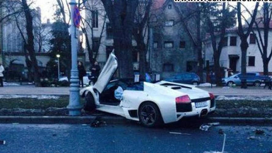 Lamborghini Murcielago LP640 Roadster crashed heavily in Romania
