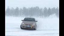 Vídeo: CARPLACE na neve - drift no gelo e