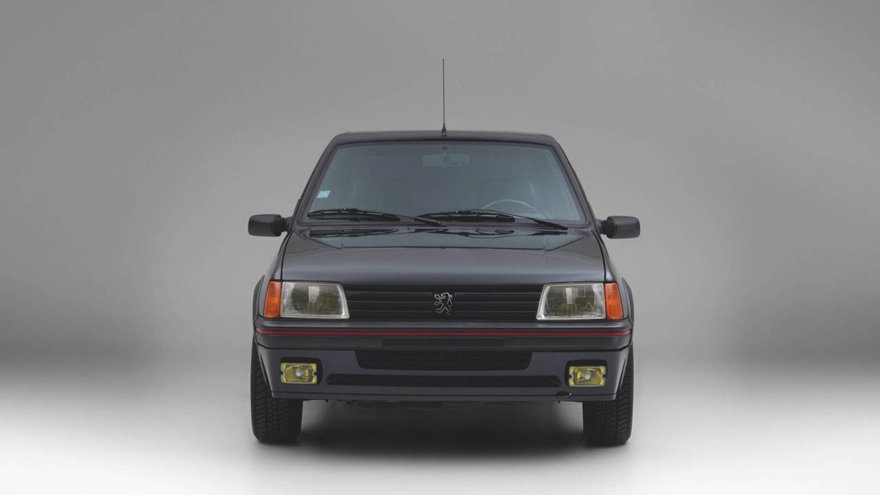 Peugeot 205 GTI blindado, a subasta