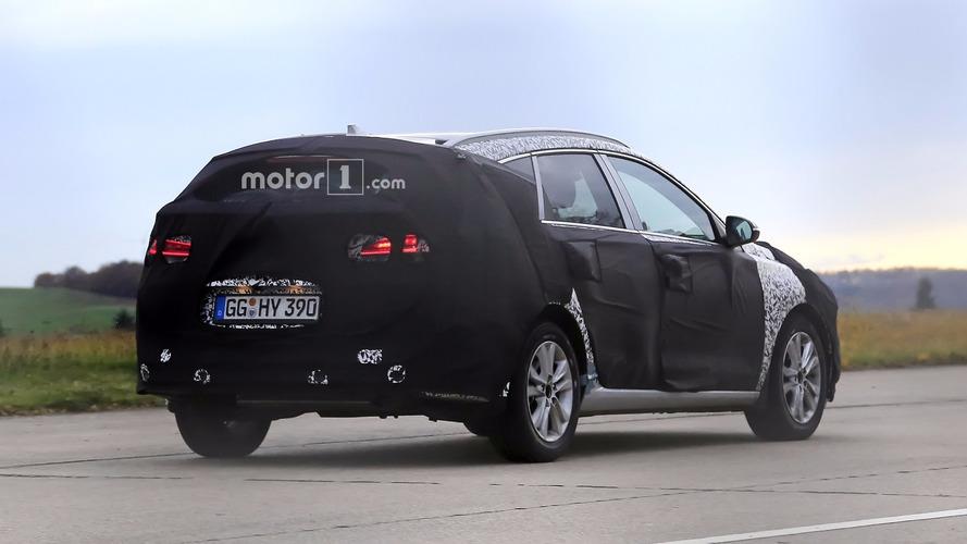 Flagra - Hyundai i30 CW de 3ª geração deve estrear em breve