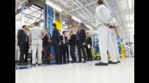 Renzi visita lo stabilimento Fiat di Melfi