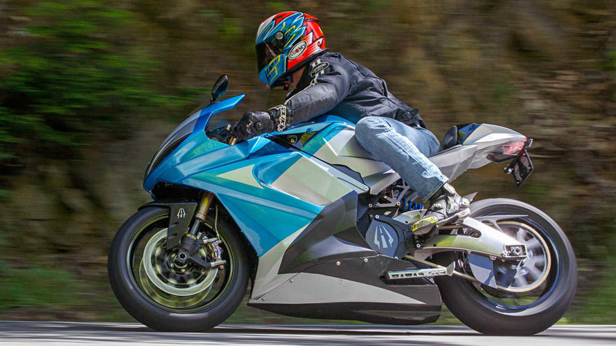 Lightning Motorcycles testa moto elétrica com 640 km de autonomia
