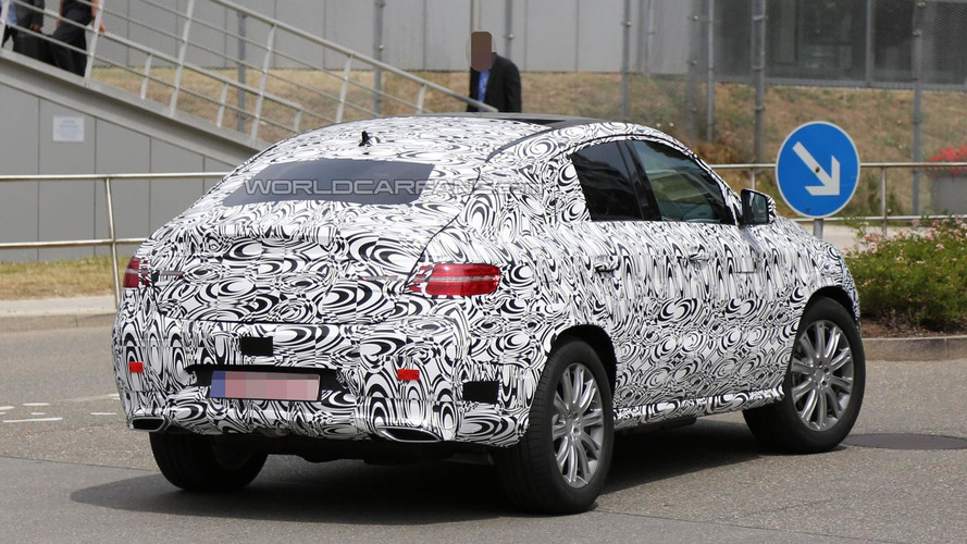 Mercedes-Benz ML Coupe spied with slightly less camouflage