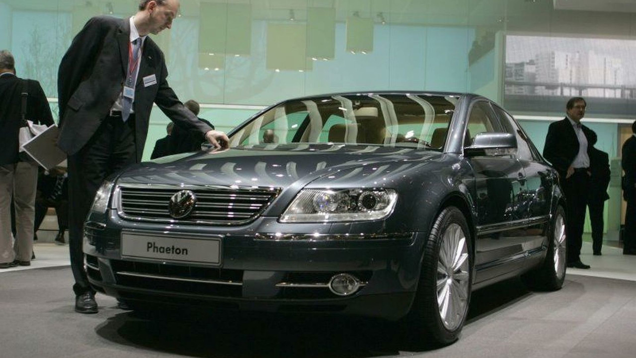 looking back at the 120 000 vw phaeton. Black Bedroom Furniture Sets. Home Design Ideas
