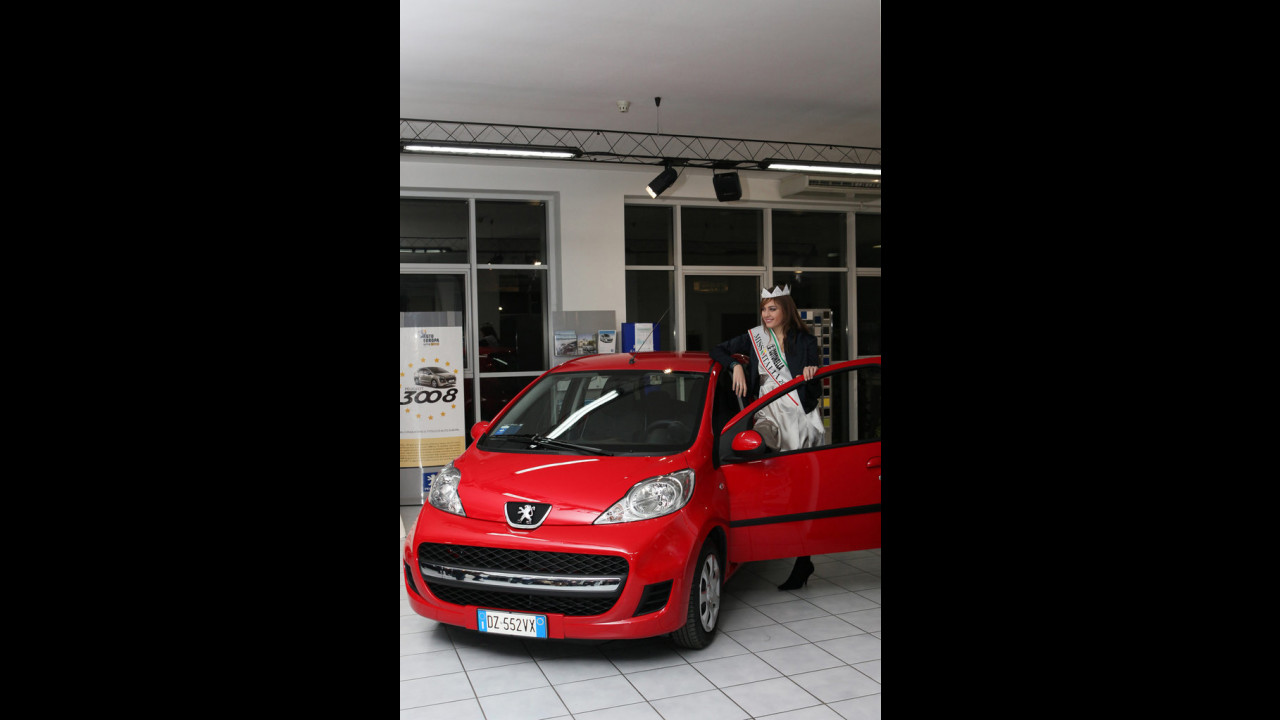 Una Peugeot 107 a Miss Italia