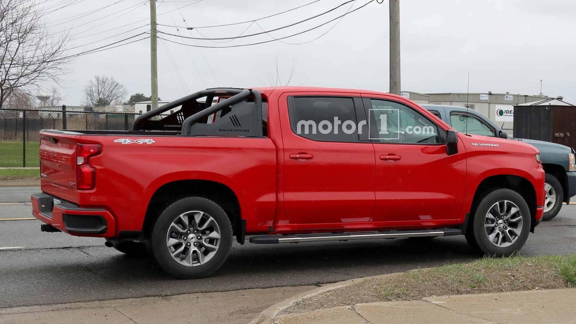 2019 Chevrolet Silverado RST Looks Sporty In Spy s