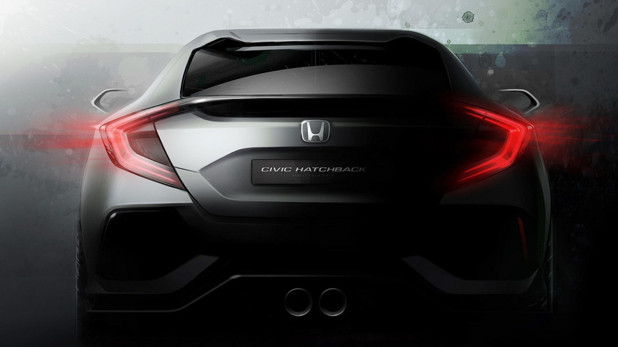 Honda Civic hatchback prototype heading to Geneva