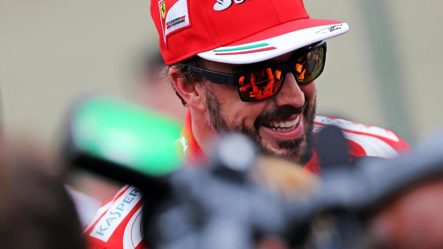 Alonso plays down chance of Abu Dhabi announcement