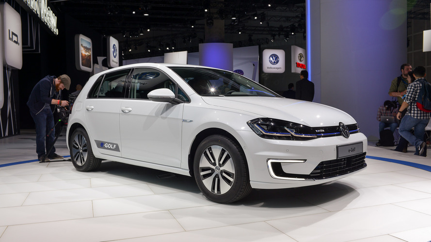VW e-Golf facelift with 300-km range costs €35,900 in Germany