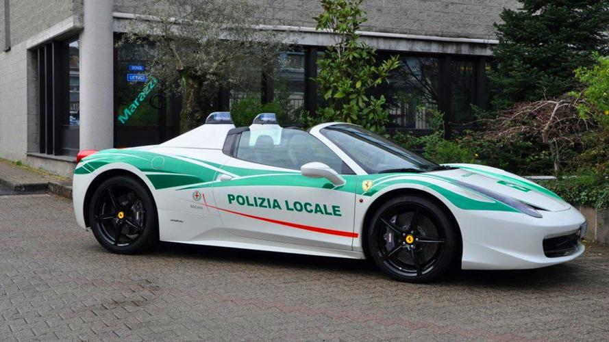 Mafyanın Ferrari 458 Spider'ı artık polisin