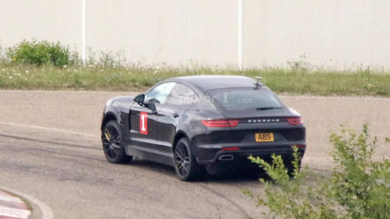 Olası Porsche Cayenne 'Coupe' test aracı casus fotoğrafları