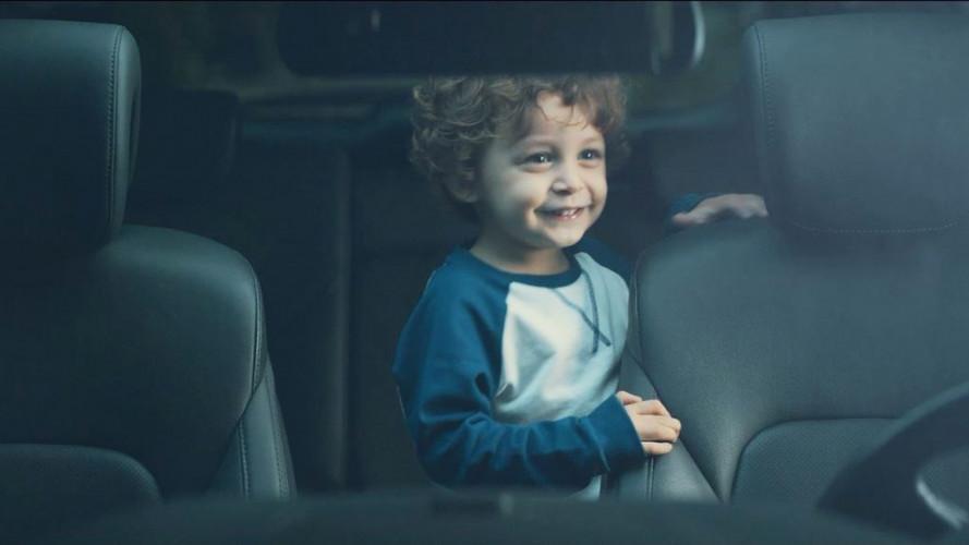 Hyundai avverte se si dimentica il bimbo sui sedili posteriori