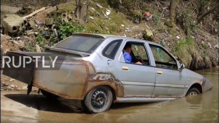 Un cinese si è fatto da solo l'auto anfibia, e funziona [VIDEO]