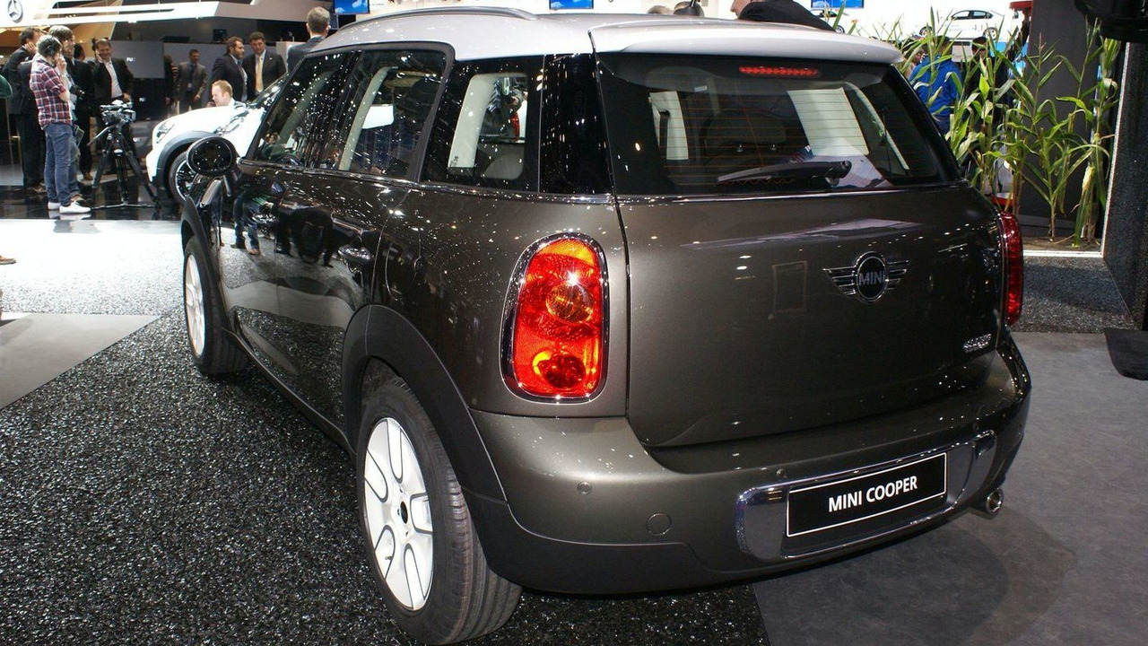 MINI Countryman live in Geneva 03.03.2010