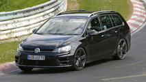Volkswagen Golf R Estate spy photo