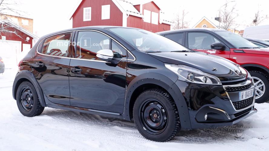 Flagra! - Peugeot 208 de 2ª geração se esconde sob a carroceria do atual