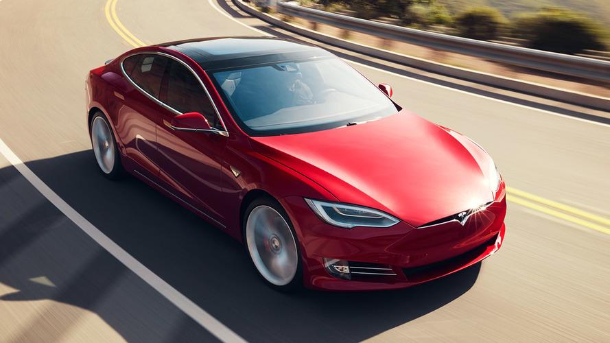 Şirket batmadan son bir Tesla alın dedi!