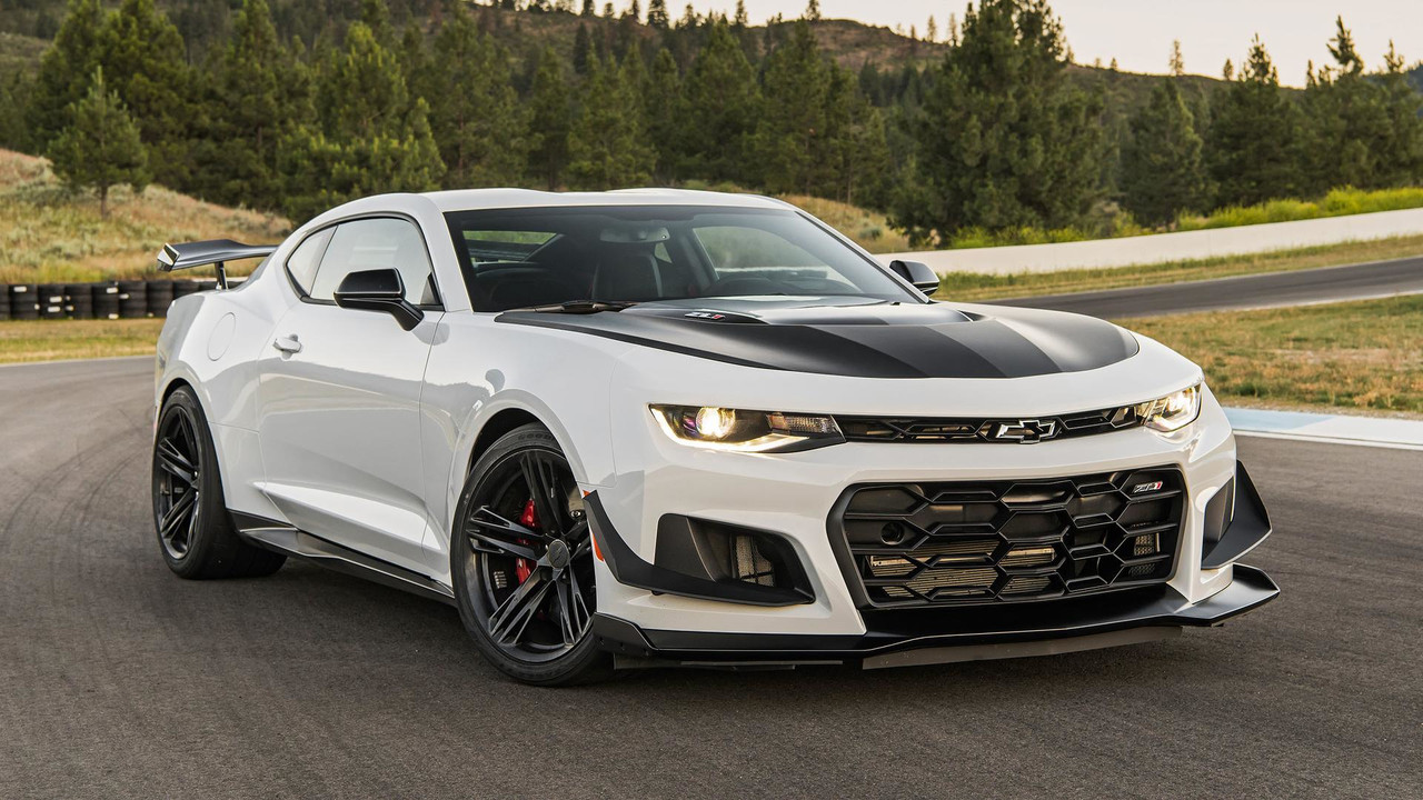Camaro chevy camaro 1le : 2018 Chevy Camaro ZL1 1LE First Drive: Best Of The Breed