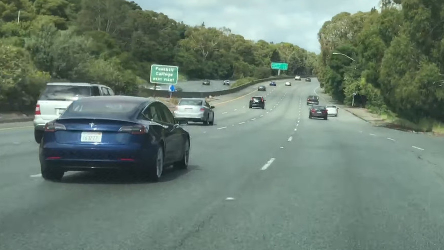 Mavi renkli Tesla Model 3 casus videosu ile tekrar karşımızda