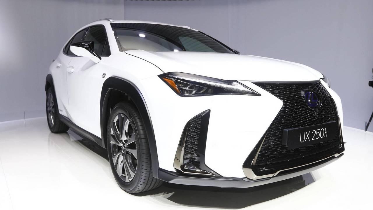 13.- Lexus UX 250h 2018