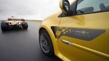 Clio Renault F1 Team R27