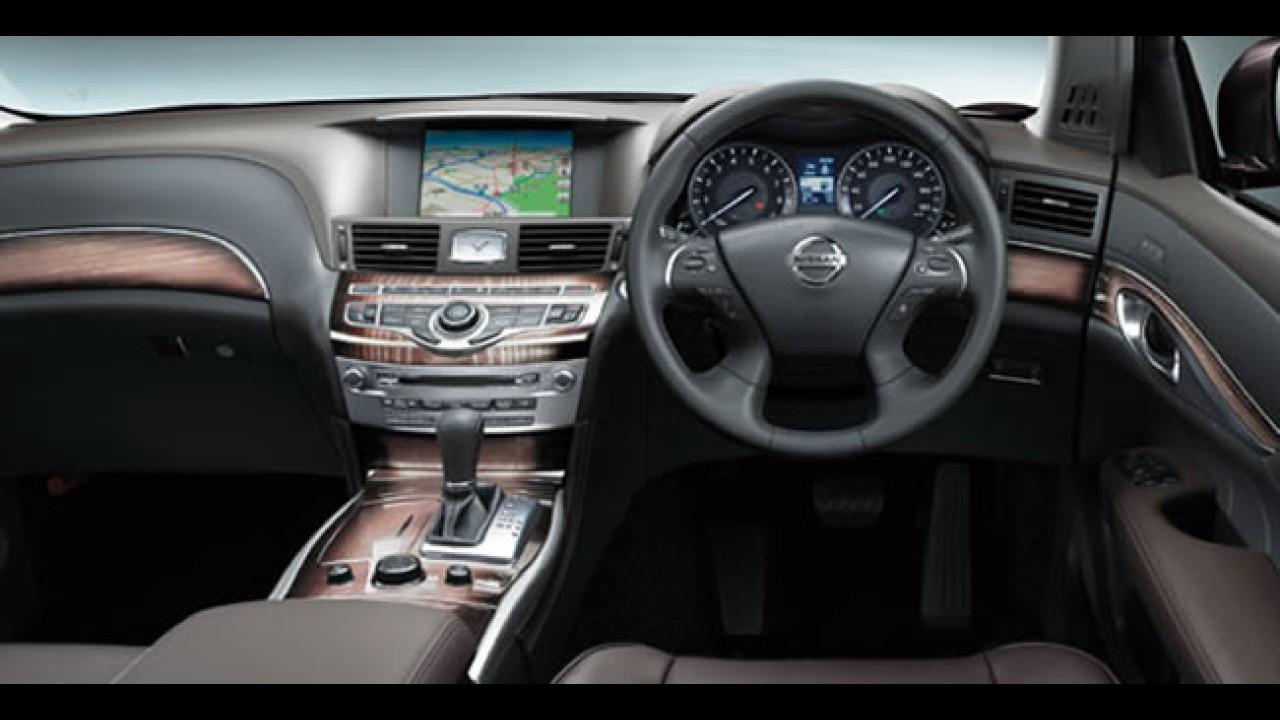 Nissan revela novo Cima para o mercado japonês